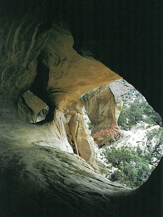 Little Moonshine Arch, Steinaker Draw, Uintah County, Utah