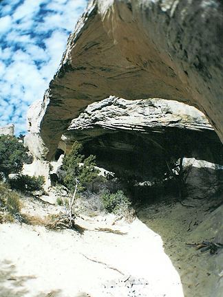 Moonshine Arch, Steinaker Draw, Uintah County, Utah